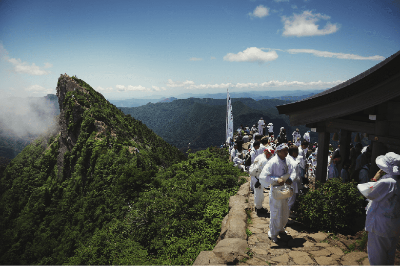 The great summer festival fills the entire mountain with excitement
